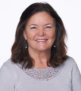 Kathy Dean headshot